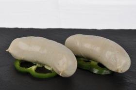 Le boudin blanc est fait à base de viande blanche. Il est généralement préparé selon les proportions 70 % de maigre et 30 % de gras.